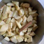 Vorbereitung gedünstete Äpfel